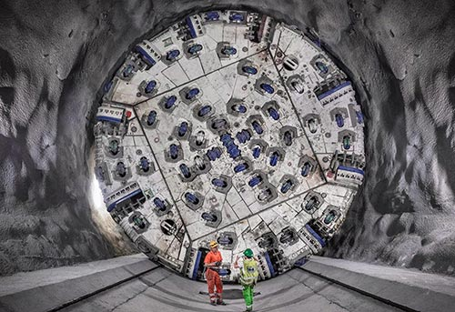 Record of 860m in one month set by the 10.65m diameter double shield TBM