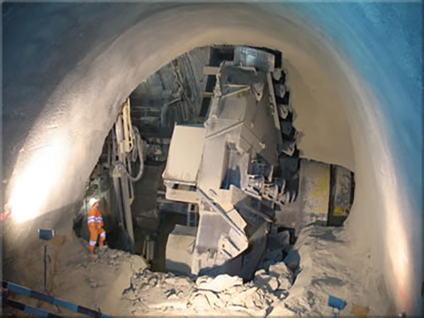 Undercutting TBM technology in action at Uetliberg