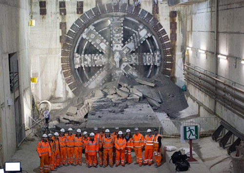 TBM Victoria breakthrough at Canary Wharf station box